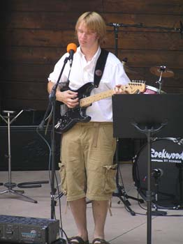 Harp Haven Guitar Player and Singer